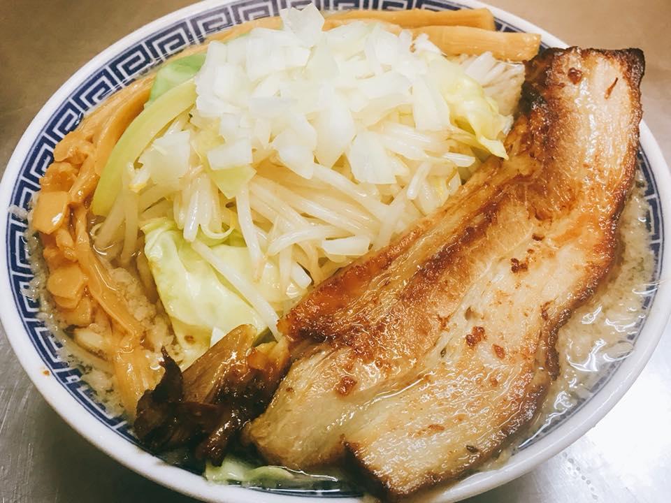 なおじ吉田店 定番 背脂中華野菜