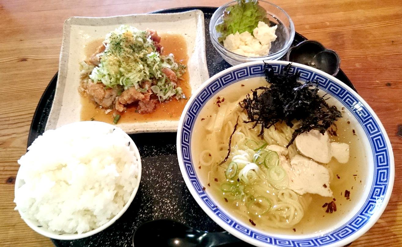 なおじ新大前店 オリジナルの油淋鶏定食