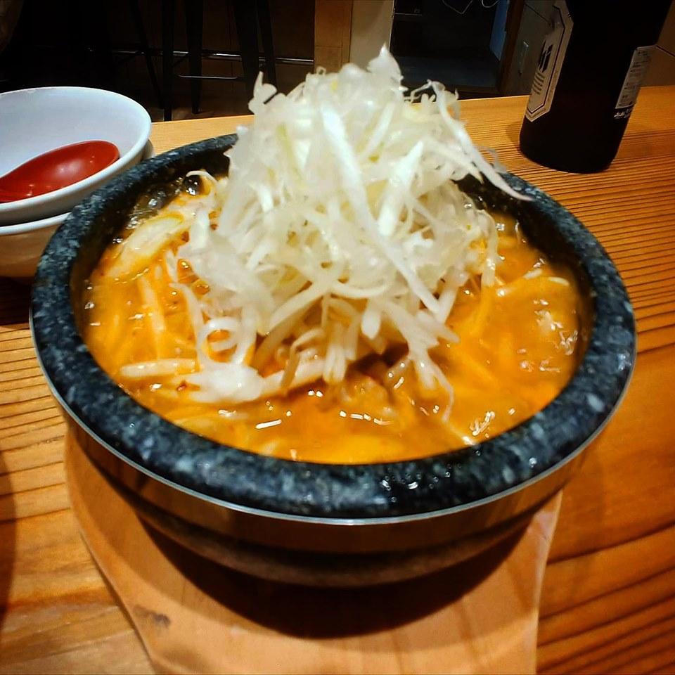 【足立六町店】キムチ炊き餃子