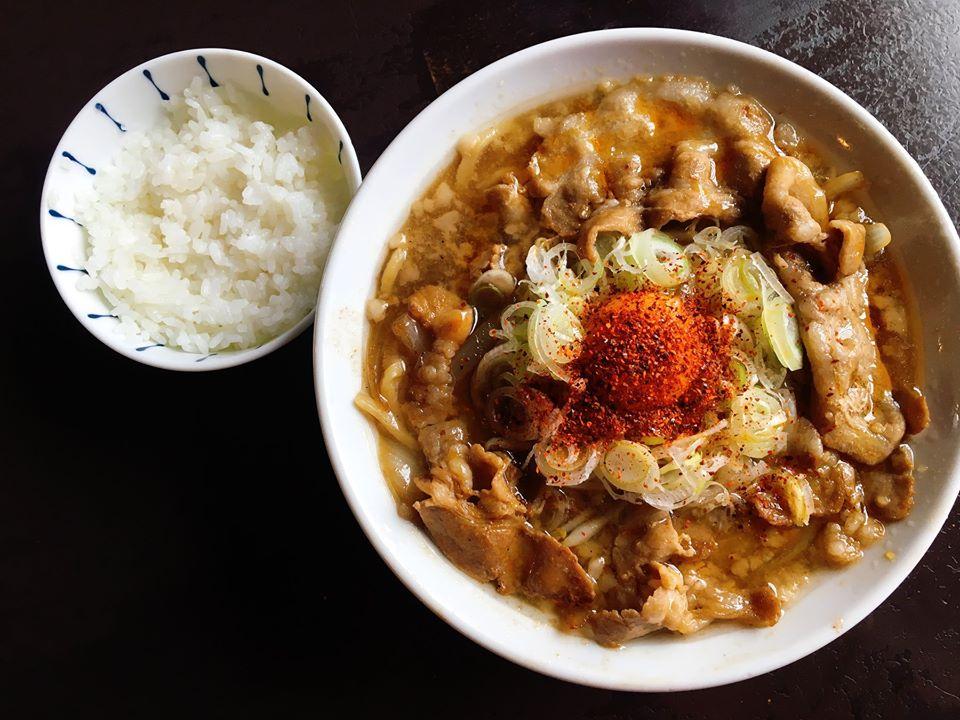 【総本店】一味唐辛子とラー油でアレンジ!